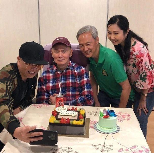 瘫痪八年尝尽冷暖!64岁香港武打巨星庆生近照曝光:众好友齐祝贺港剧