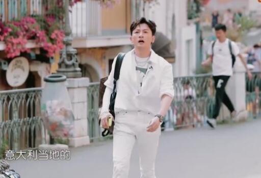 中餐厅3苏有朋回归,在线提问小燕子本名叫什么,难住餐厅中众人红圈