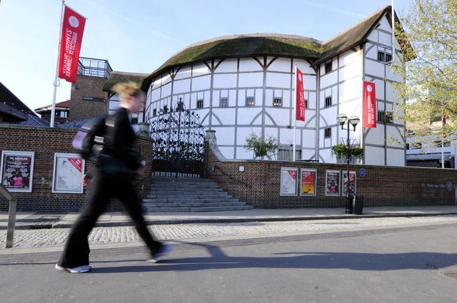 """排莎士比亚戏的剧院这么多,它最""""原味""""?新京报"""