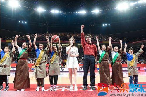 腾讯时刻闪耀篮球世界杯中场,许凯携青海学子为热爱助攻大众娱乐网
