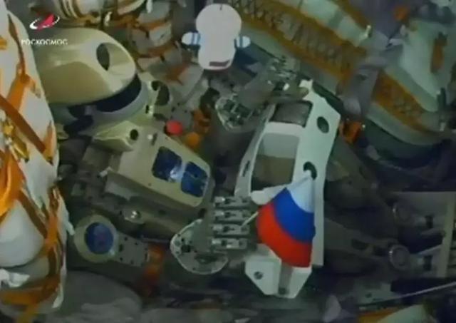 俄罗斯向空间站运送人形机器人,将进行太空任务测试DeepTech深科技