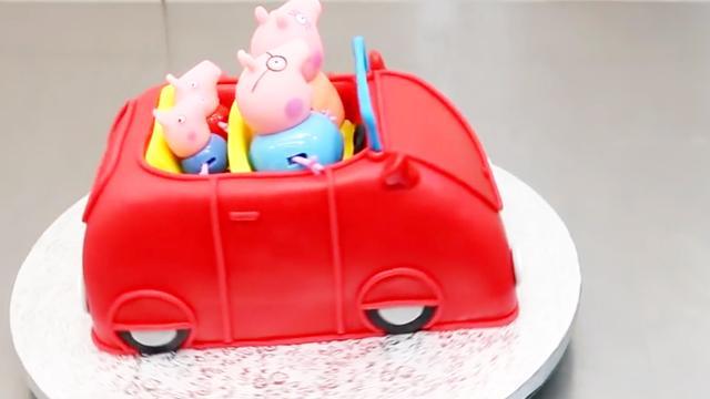 第一眼就上当了!明明是佩奇玩具,结果竟然是翻糖蛋糕!太逼真了