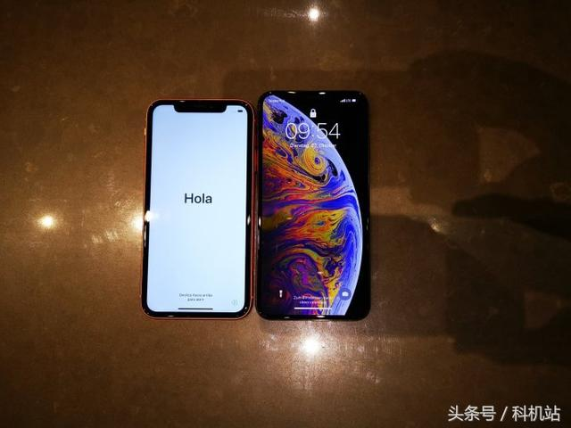 iPhone XR与iPhone XS Max对比,其实iPhone XR也没有那么丑