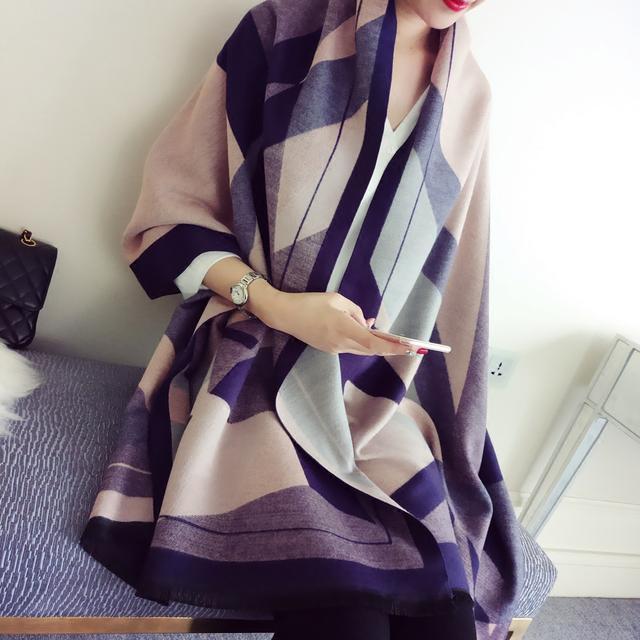 好看的大衣还是要搭配围巾才够时尚,不止百搭,关键:洋气显肤白