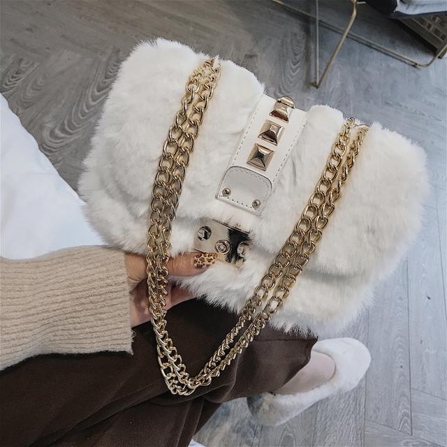 冬季最新款毛绒包包来袭,时髦又大牌,美爆朋友圈,小仙女的最爱