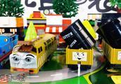 托马斯和他的朋友们之狄塞尔10号 智斗柴油车 大反派 拆箱
