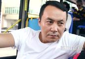 陈翔六点半:毛台在公交车上跟美女搭讪,下车还顺走美女的ipad