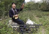 壮族帅小伙天琴弹唱《侬峒情歌》,简直太好听了!