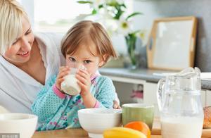 立刻停止!你的这6个坏习惯,正在拖垮孩子的健康,父母们都看看
