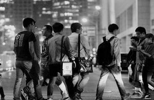 深圳月入5000元的尴尬族 每天如何优雅装逼?