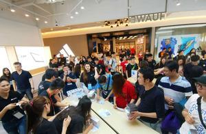 华为在台湾受到追捧,3000人排队,本土品牌HTC已被遗忘