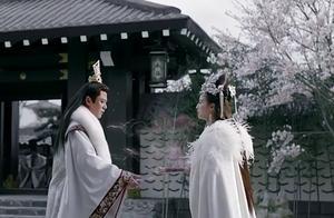 皇上为了争夺皇位,竟一剑刺死心爱妃子,结果妃子不是人类!