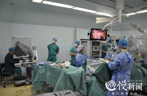 重庆一19岁女孩反复咳嗽两月竟查出癌症,机器人成功为她手术……