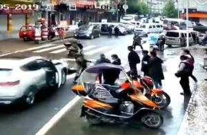 广元男子撞人后倒车碾压事件进展:涉嫌危害公共安全被刑拘