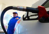 国六要来了,目前在制定禁止燃油车的政策,明年汽车将大降价