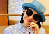 49岁许晴晒近照似少女,网友称她保持年轻的秘诀可能是没结婚