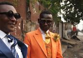 最奇葩的非洲刚果金男子,用辛苦工作数月的血汗钱换一身名牌西装