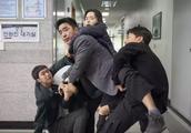 """我们的""""龙虾刑警"""",在韩国竟翻拍成""""影史票房第一"""""""