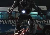 钢铁侠1:钢铁侠居然被钢铁怪暴揍,头盔都直接拧下来了!