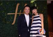 陈奕迅一家三口温馨同框吃火锅,女儿已经比妈妈都高了,好漂亮
