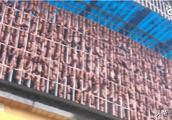 大户人家过年:千斤香肠挂满10米长阳台,主人:全部自己吃