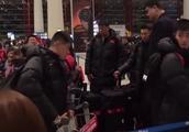 姚明凌晨4点机场为男篮送行,李楠:一个领导这样做让我们很受鼓舞