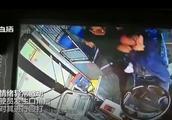 长沙一男子暴打公交车司机 疑因未能及时上车