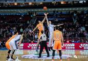 CBA 首钢男篮主场加时胜上海哔哩哔哩
