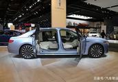 林肯这款豪车比奥迪大气,V6发动机 四驱,车长五米还对开车门