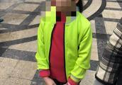 深圳小区瓷砖坠落砸伤8岁童致头破血流,家长指建筑质量问题