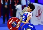 祝贺!中国选手侯志慧举重世界杯赛女子49公斤级夺冠并打破两项世界纪录