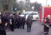 乐山沙湾车祸致9亡 肇事司机自杀被制止