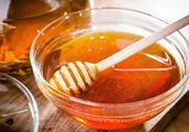 蜂蜜营养丰富却真假难辨,学会这几招轻松辨真假,再也不怕选错了
