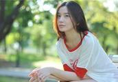 她是《大江大河》里的最美女生,也是《知否》中的娼妇,真人美爆
