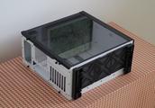 全景+电源上置+壁挂水冷机箱哪家好?月光宝盒棱白色版不容错过!