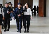 李连杰19岁大女儿近照曝光,考进哈佛大学,身材高挑颜值不输利智
