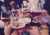 喝酒致38万人中风或癌症死亡,平均减寿0.43岁,你还在用它养生吗