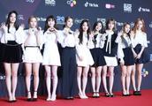 韩国众女星亮相香港MAMA红毯,Angelababy仙气造型脱颖而出!