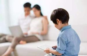世卫组织:2岁以下儿童勿接触电子屏幕,2-5岁不超1小时